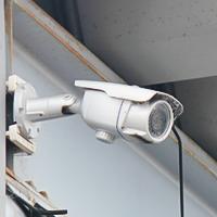 ヤードに防犯カメラを設置